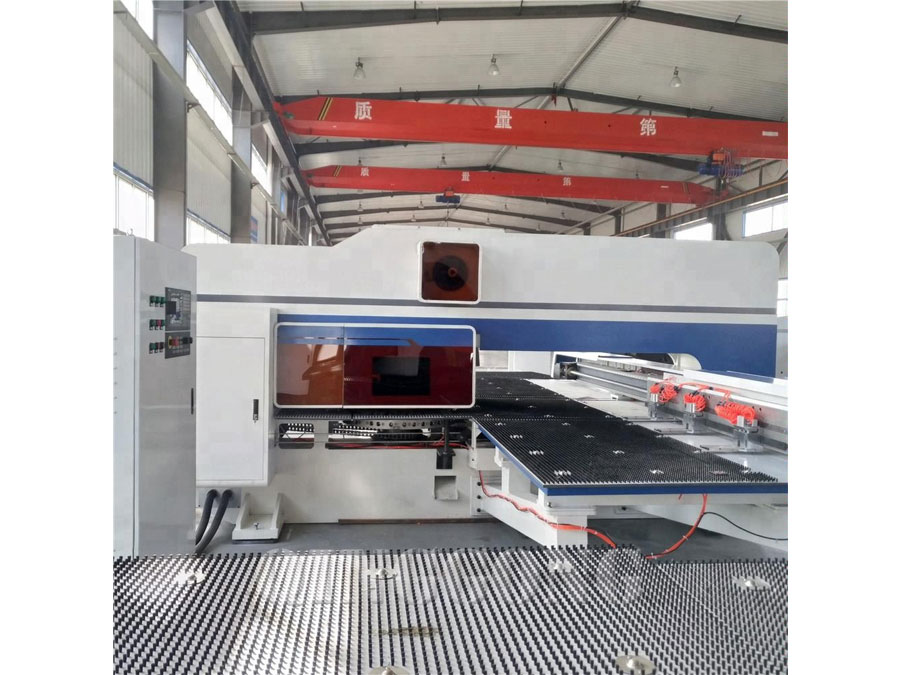 hydraulic cnc turret punching machine 3