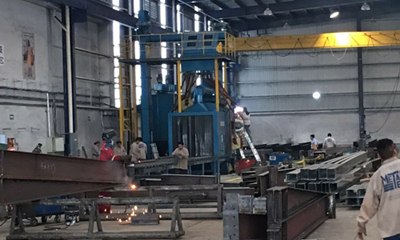 Roller Conveyor Shot Blasting Machine z 8 Blast Turbines w Meksyku